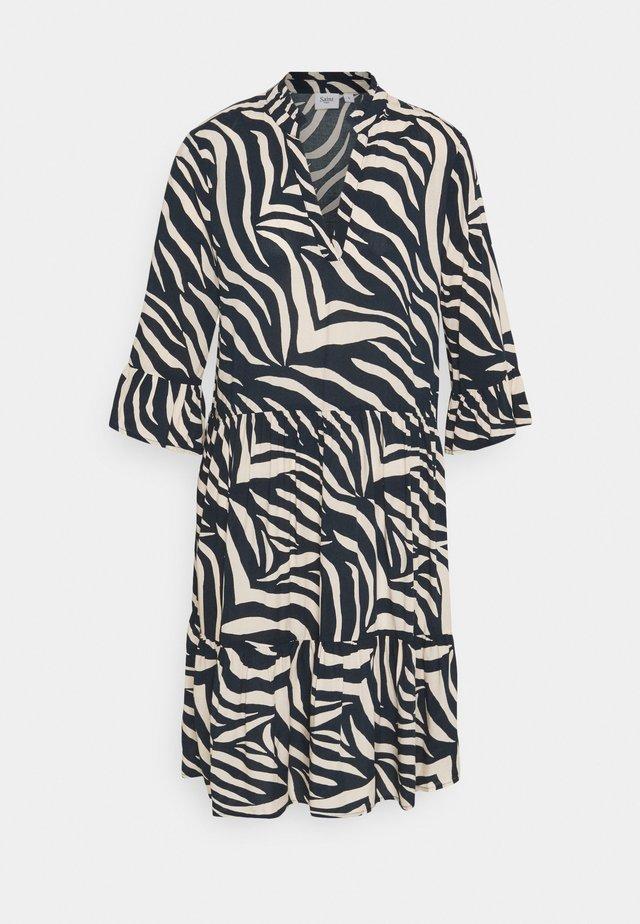 EDA DRESS - Day dress - total eclipse
