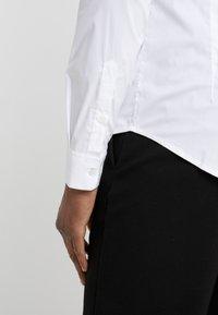 Emporio Armani - CAMICIA - Camisa - bianco ottico - 3