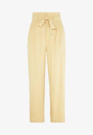 LIELLE PANTS - Trousers - croissant