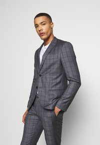 Isaac Dewhirst - CHECK SUIT - Kostym - grey - 2