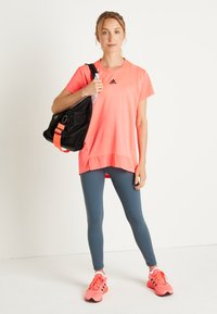 adidas Performance - TEE H.RDY - T-shirts med print - pink - 2