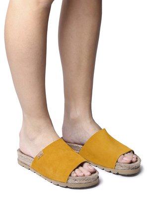 DORA - Sandalias planas - yellow