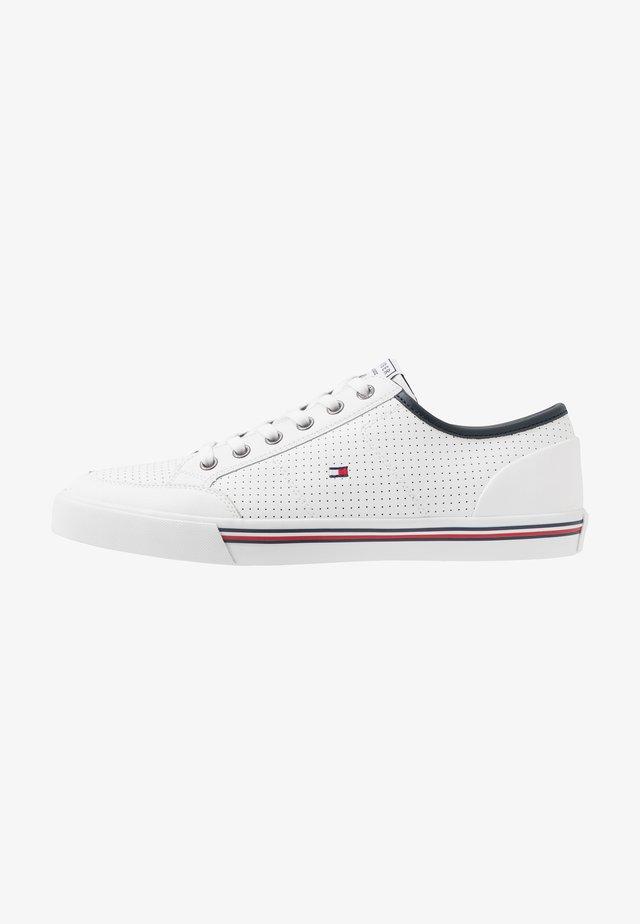CORE CORPORATE  - Sneaker low - white