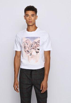 TOMIO - Print T-shirt - white