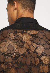 Twisted Tailor - KONA SHIRT - Camisa - black - 5
