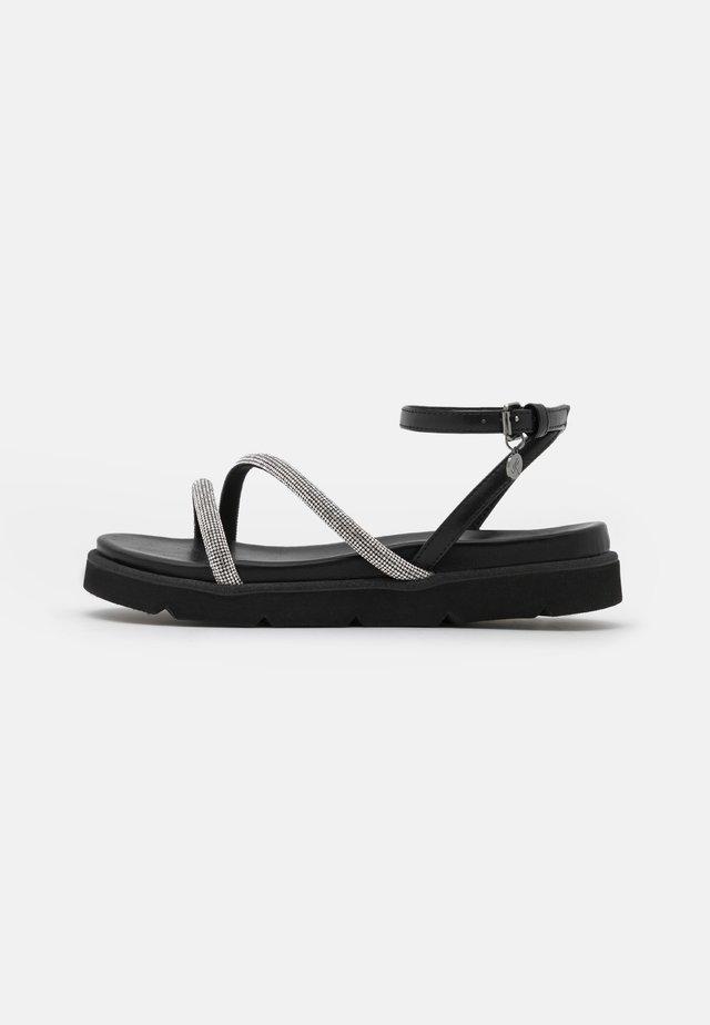 Sandály - alcantara cipria