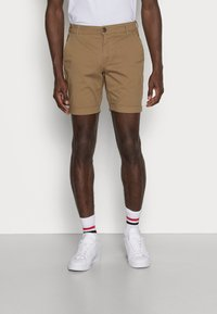Selected Homme - SLHSTRAIGHT PARIS - Shorts - camel - 0