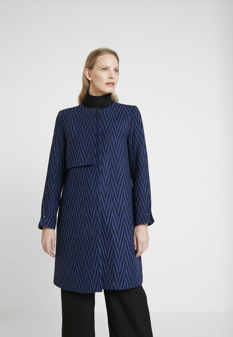 Yargici - COLLARLESS LONG COAT - Zimní kabát - navy