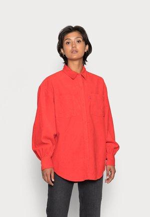REMI UTILITY - Koszula - flame scarlet
