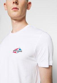 Diesel - DIEGOS - Camiseta estampada - white - 5