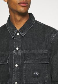 Calvin Klein Jeans - UTILITY SHIRT JACKET - Denim jacket - black - 5