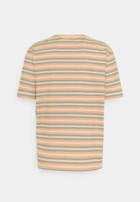 Lacoste LIVE - UNISEX - Print T-shirt - briquette/multicolour - 1