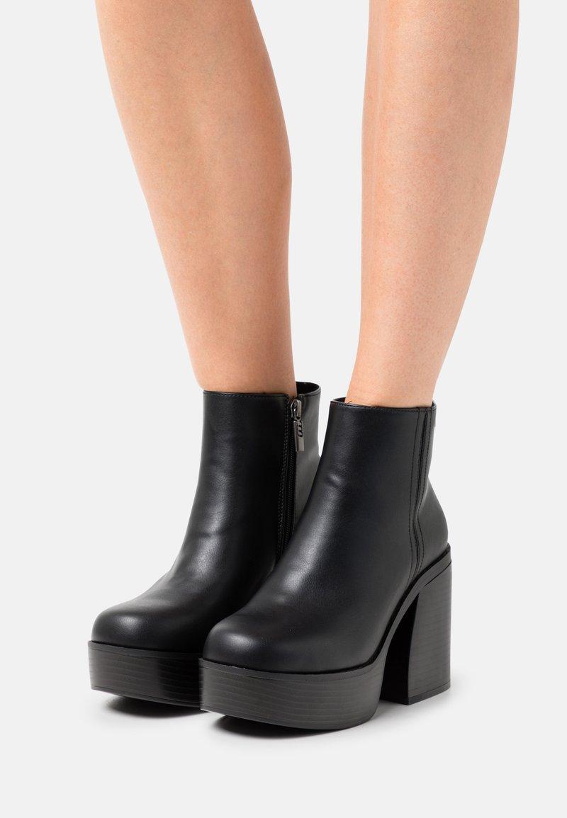 mtng - SETENTA - Kotníková obuv na vysokém podpatku - black