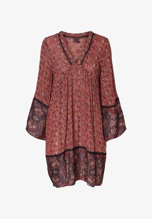 Day dress - marsala