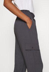 Abercrombie & Fitch - FASHION PANT  - Cargo trousers - asphalt - 5
