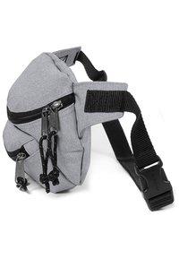 Eastpak - DOGGY BAG/CORE COLORS - Bum bag - sunday grey - 5