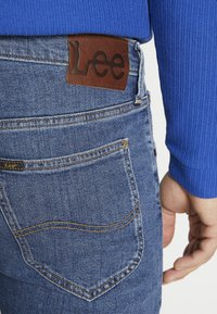 Lee - DAREN ZIP FLY - Jeans straight leg - mid stonewash - 3