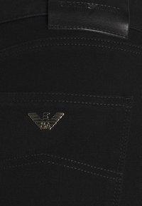 Emporio Armani - Jeans Skinny Fit - black denim - 5