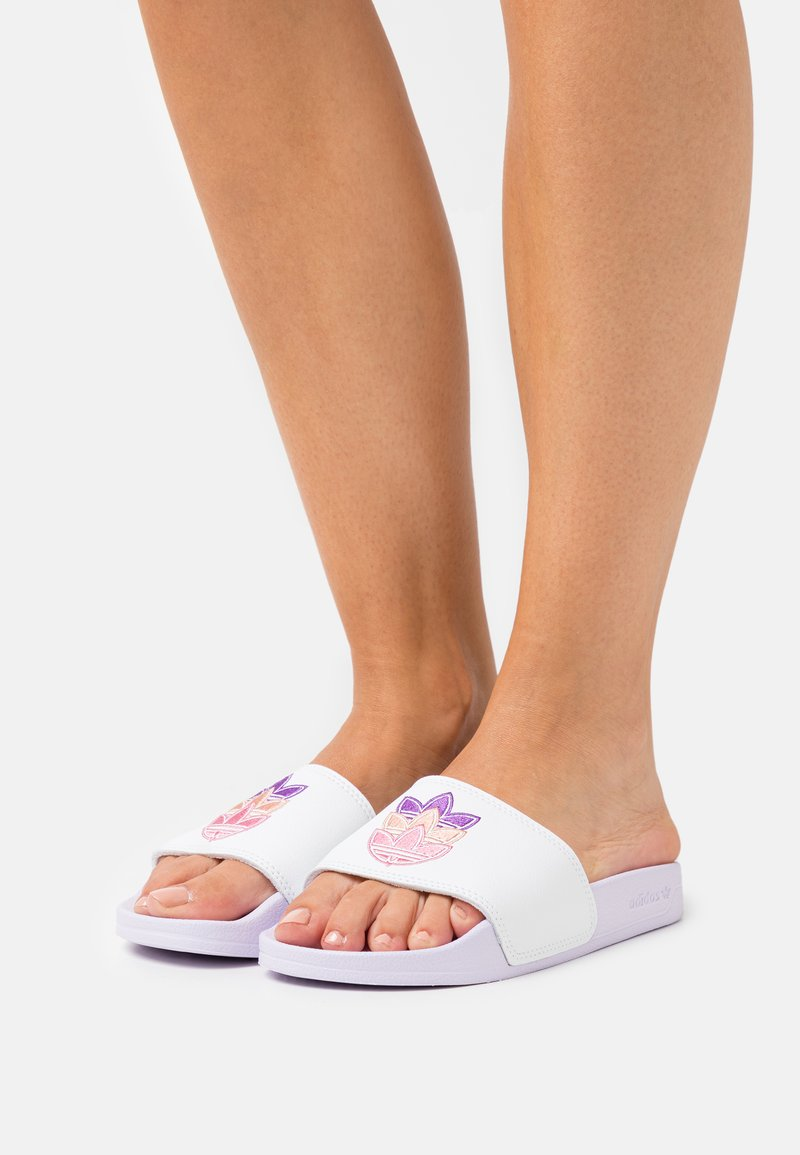 adidas Originals - ADILETTE LITE - Sandalias planas - white