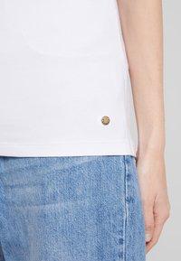Esprit - CORE  - Jednoduché triko - white - 4