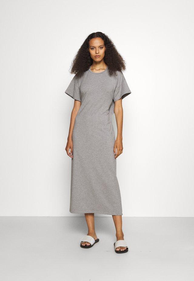 DRESS WITH OPEN BACK - Jersey dress - grey marl