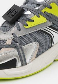Diesel - S-SERENDIPITY LC EVO - Sneakers basse - grey/silver/lemon - 5