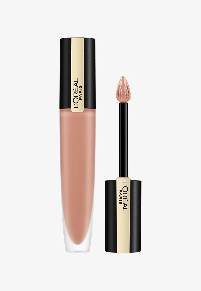 L'Oréal Paris - ROUGE SIGNATURE - Liquid lipstick - 110 i empower