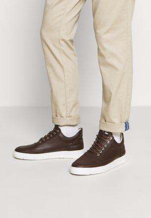 LOW TOP CRUMBS - Sneakers - dark brown