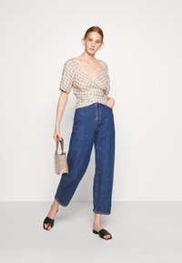 Madewell - LUCY WRAP IN GINGHAM - Bluser - brown/white - 1