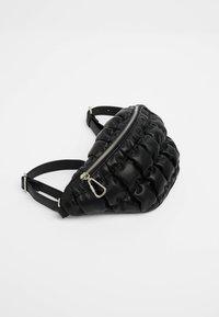 Bershka - GESTEPPTE - Bum bag - black - 4