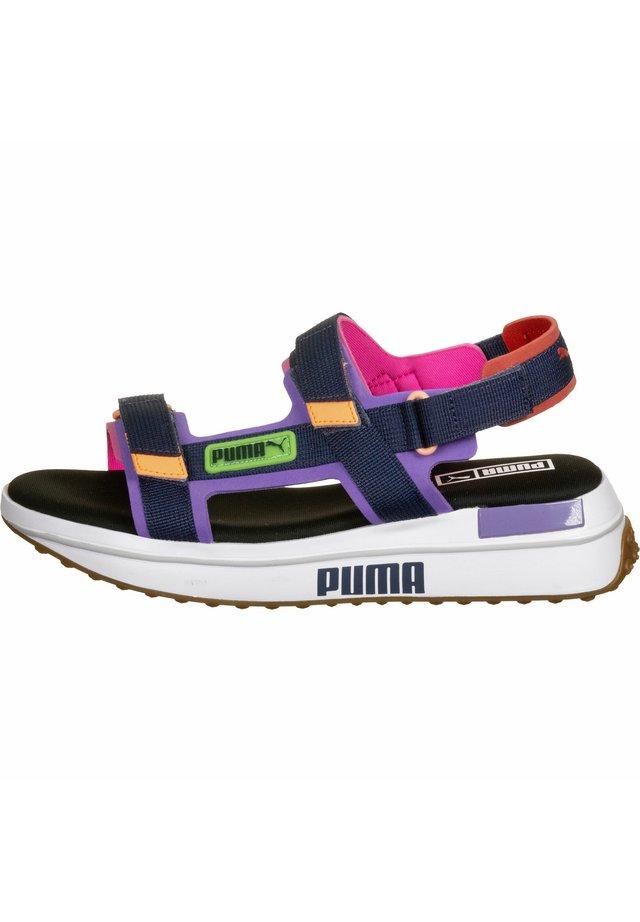 SANDALEN FUTURE RIDER FAME ON - Sandalias de senderismo - luminous purple-dark denim wht