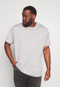 Belstaff - Big & Tall BELSTAFF - Basic T-shirt - grey melange - 0