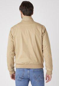Wrangler - Summer jacket - sand - 2