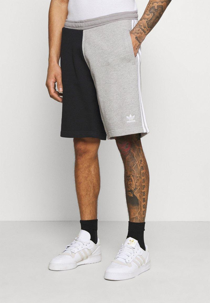 adidas Originals - BLOCKED UNISEX - Shorts - black