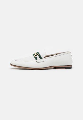 RAPHAEL - Scarpe senza lacci - white/green