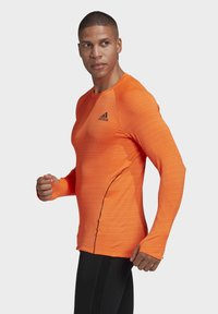 adidas Performance - RUNNER LONG-SLEEVE TOP - Long sleeved top - orange - 3