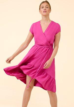 Day dress - pinke welle