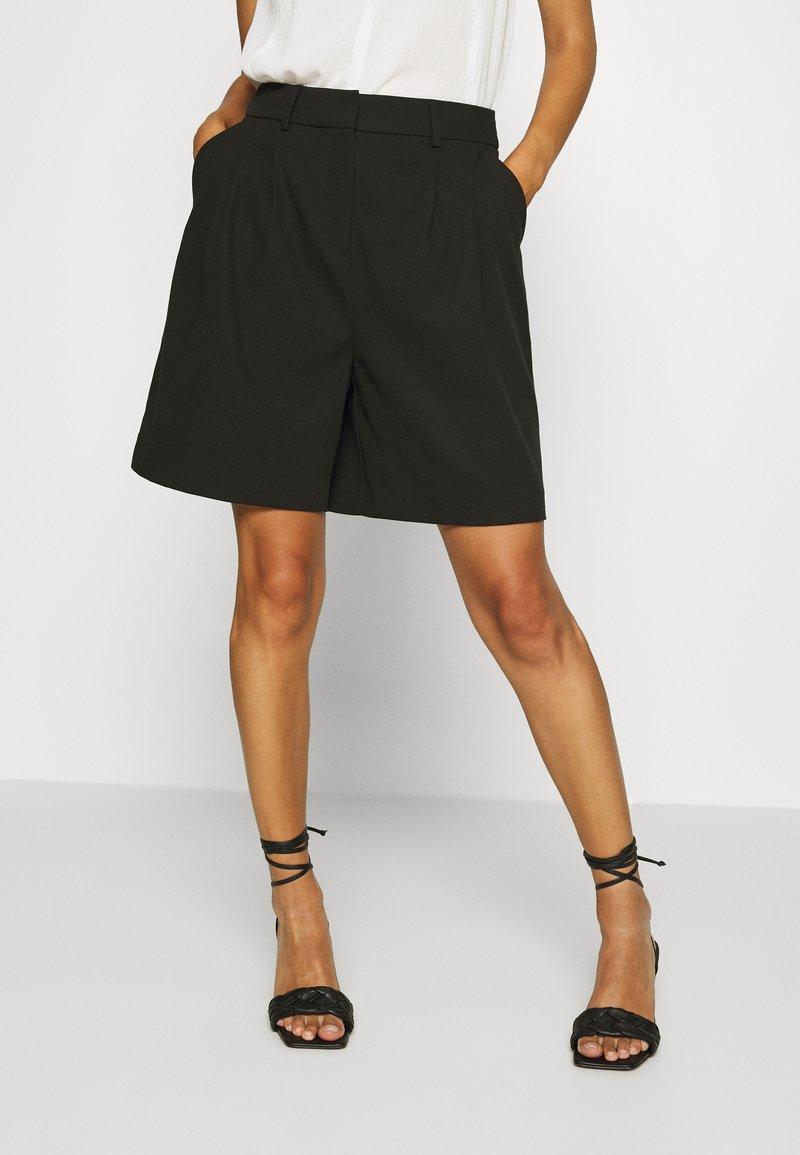 NAF NAF - COMODO - Shorts - noir
