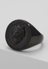 Guess - LION HEAD COIN RING  - Ring - black ip - 4