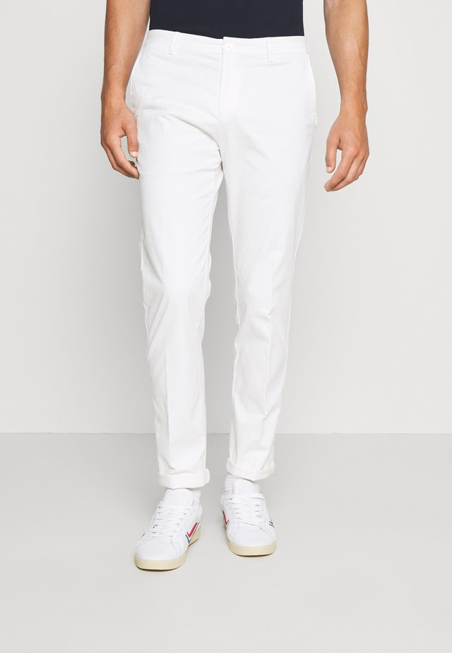 FLEX SLIM FIT PANT - Tygbyxor - white