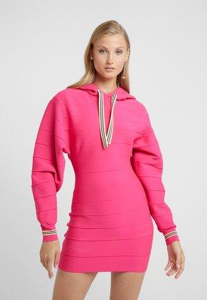 DRESS - Abito in maglia - neon pink