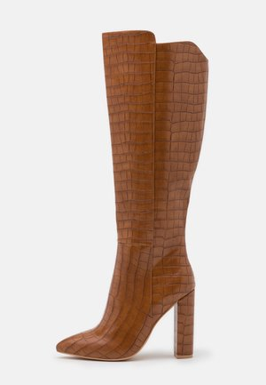 High heeled boots - tan