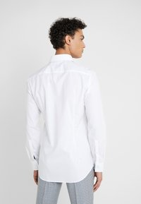 HUGO - KERY SLIM FIT - Formal shirt - open white - 2