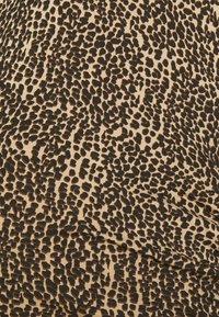 Supermom - DRESS ANIMAL - Žerzejové šaty - brown - 2