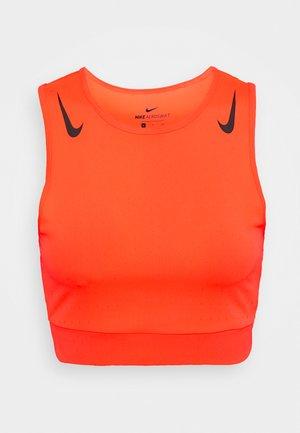 AEROSWIFT CROP - Camiseta de deporte - bright crimson/black