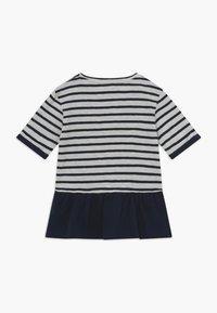 Ebbe - BENITA - T-shirt con stampa - offwhite/dark navy - 1