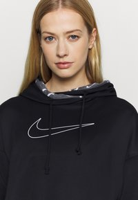 Nike Performance - ALL CROP - Jersey con capucha - black/white - 4