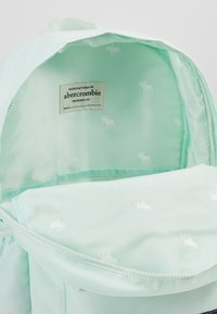 Abercrombie & Fitch - BACKPACK - Rucksack - shine - 5