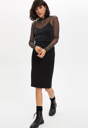 Pencil skirt - black
