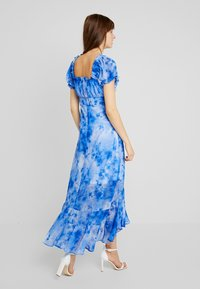NA-KD - TIE DYE PUFF SLEEVE DRESS - Maxi dress - blue - 3